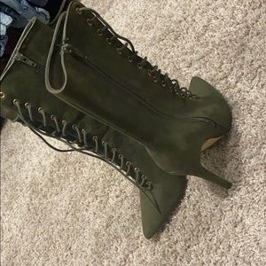Olive green cute boots